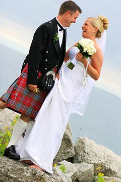 Toronto Natural Wedding Photography - Scottish kilts by the bluffs